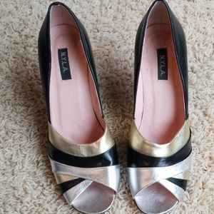 Gold silver and black dress heeled shoe